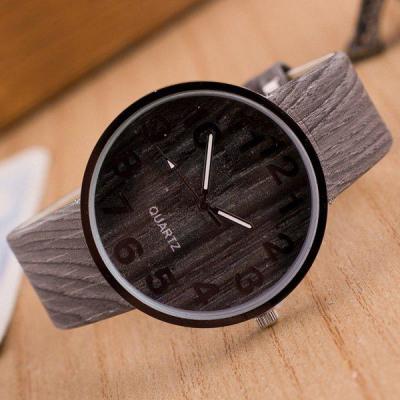 Kunstleder Holzmaserung Uhr